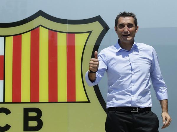 Na snímke nový tréner FC Barcelony Ernesto Valverde