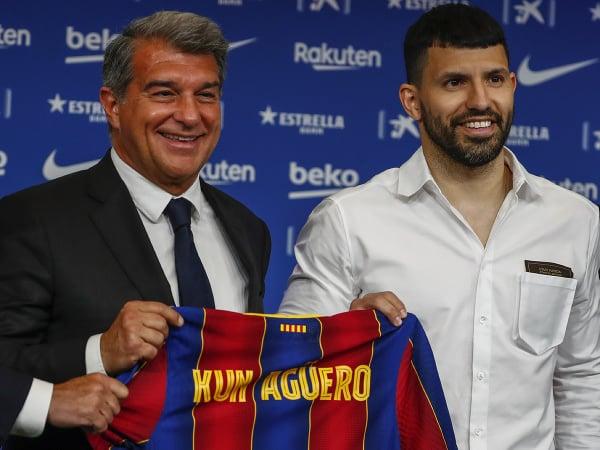 Argentínsky futbalista Sergio Agüero prestúpil z Manchestru City do FC Barcelona.