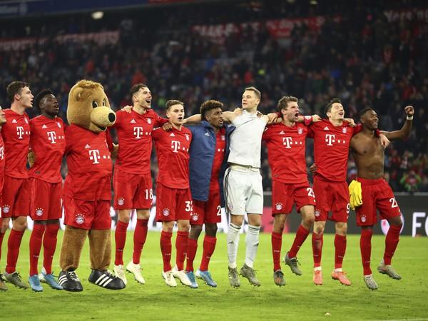 Hráči bavorského klubu a ich veľká radosť po triumfe nad Dortmundom