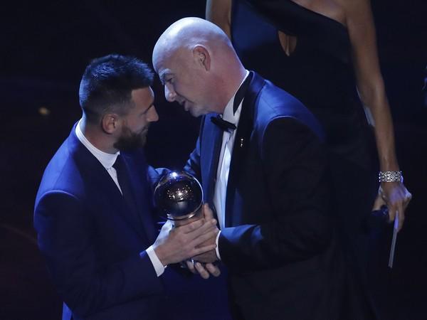 Lionel Messi a Gianni Infantino