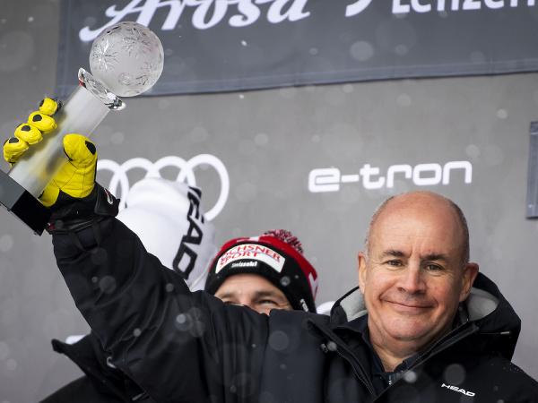 Švédsky rodák a britský nominant Johan Eliasch sa stal novým prezidentom Medzinárodnej lyžiarskej federácie