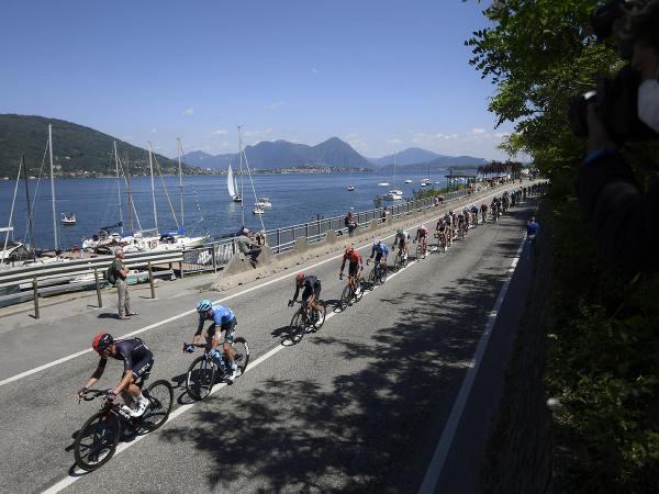 Cyklisti počas 19. etapy
