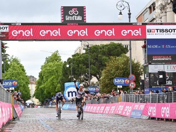 Victor Campenaerts ovládol 15. etapu