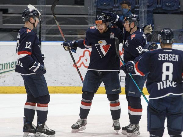 Radosť hráčov HC Slovan Bratislava