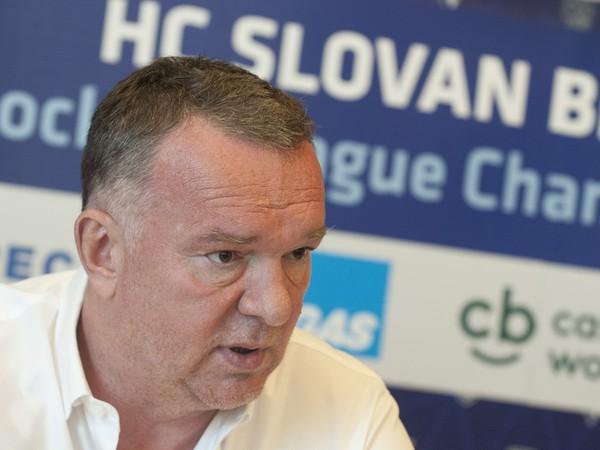 Športový riaditeľ HC Slovan Bratislava Oldřich Štefl