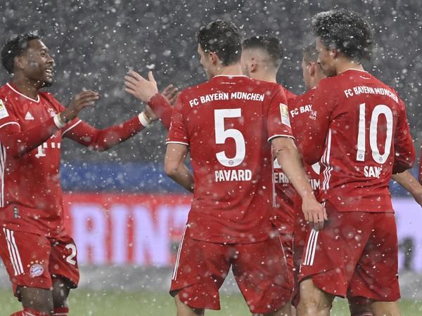 Hráči Bayernu sa tešia z gólu
