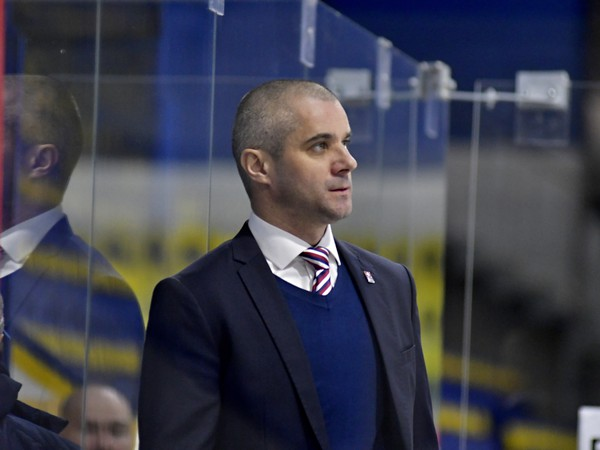 Tréner slovenských hokejistov do 18 rokov Ivan Feneš