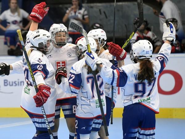 Slovenské hokejbalistky a ich gólové oslavy
