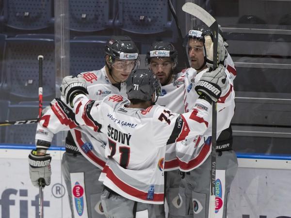 Gólové oslavy hokejistov iClinic Bratislava Capitals