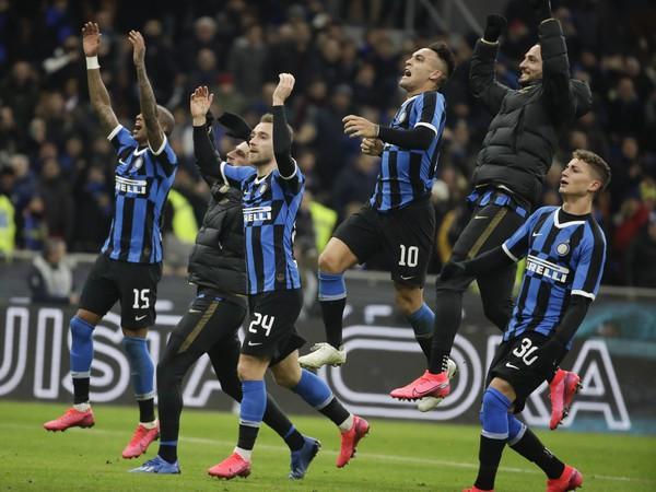Radosť hráčvo Interu Milána po výhre