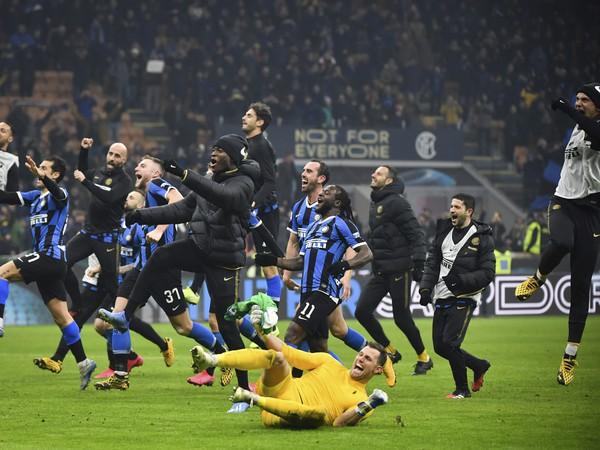 Futbalisti Interu Miláno sa tešia po víťazstve 4:2 nad AC