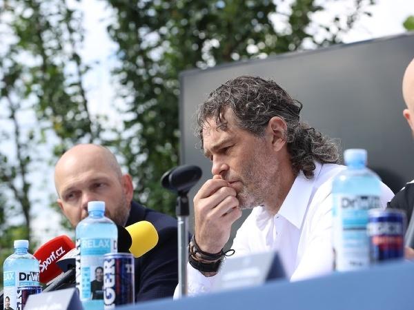 Jaromír Jágr na tlačovej konferencii hokejového Kladna