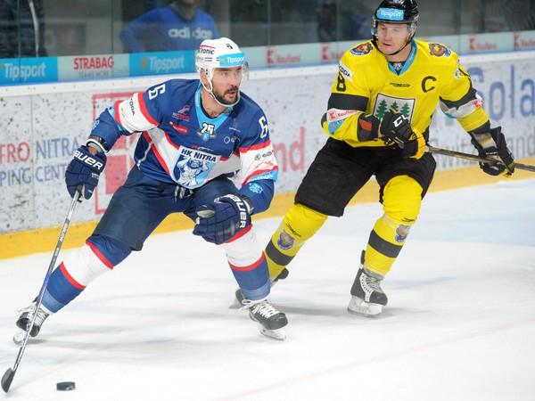 Jozef Kováčik (v modrom)