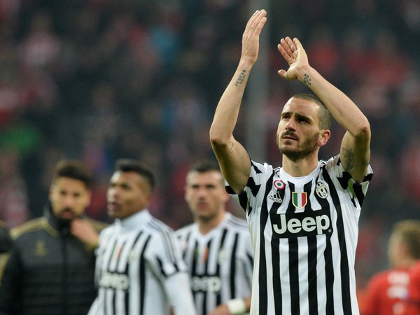 Leonardo Bonucci ďakuje fanúšikom Juventusu