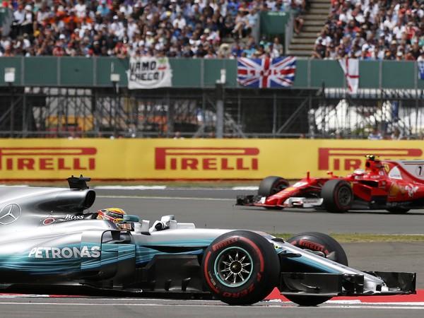 Lewis Hamilton a Kimi Räikkönen
