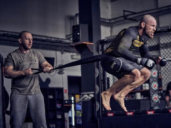 Lajoš Klein v tréningu s Iljom Skondričom