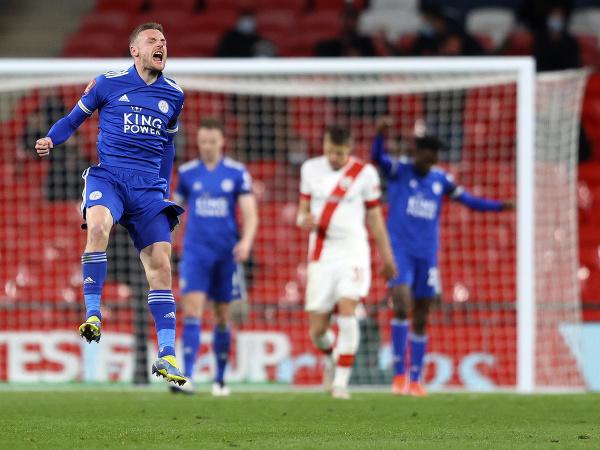 Jamie Vardy sa teší z gólu