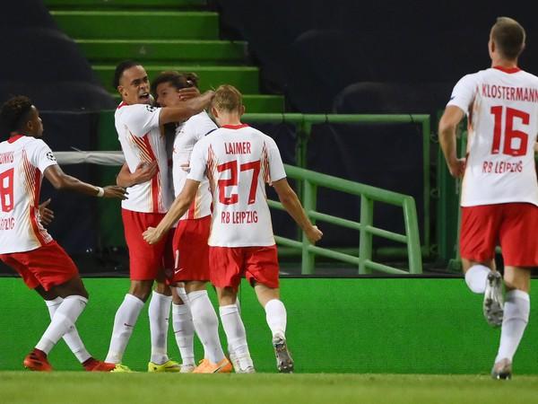 Dani Olmo a jeho gólové oslavy so spoluhráčmi