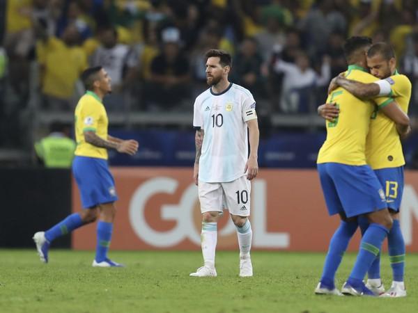 Sklamaný Lionel Messi