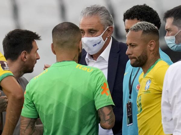 Lionel Messi, Tite a Neymar