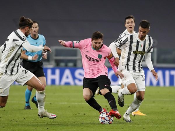 Lionel Messi a Rodrigo Bentancur