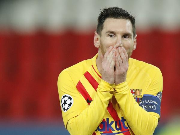 Lionel Messi reaguje v