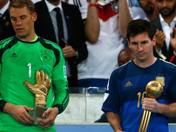 Manuel Neuer a Lionel Messi s individuálnymi oceneniami