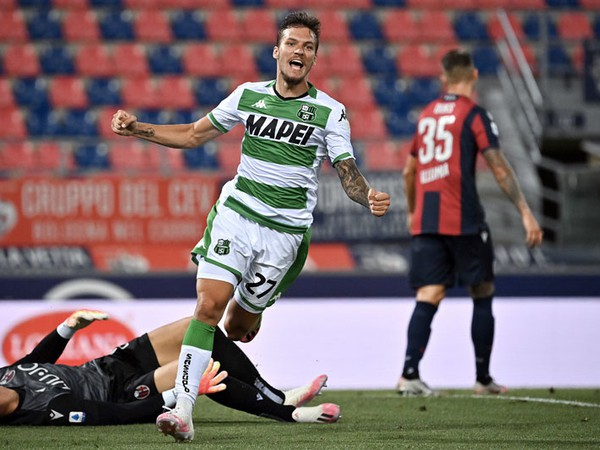 Lukáš Haraslín sa raduje z prvého gólu v Serii A