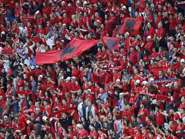 Albánski fanúšikovia