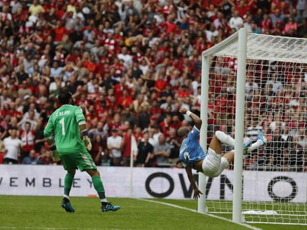 Prekrásny futbalový moment zachytil aj objektív fotoaparátu