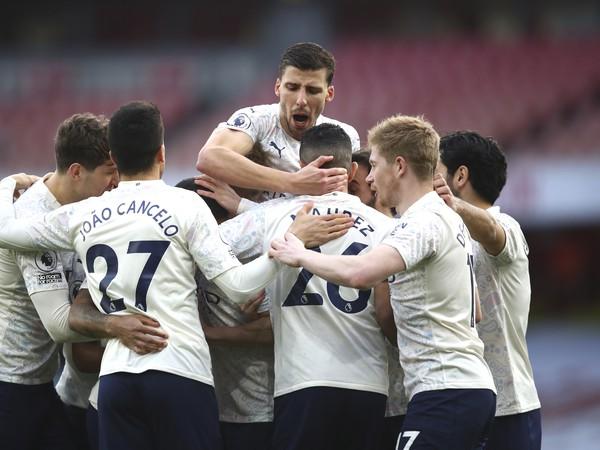 Futbalisti Manchestru City sa tešia po strelení gólu