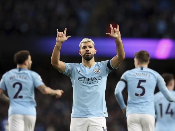 Sergio Agüero oslavuje gól