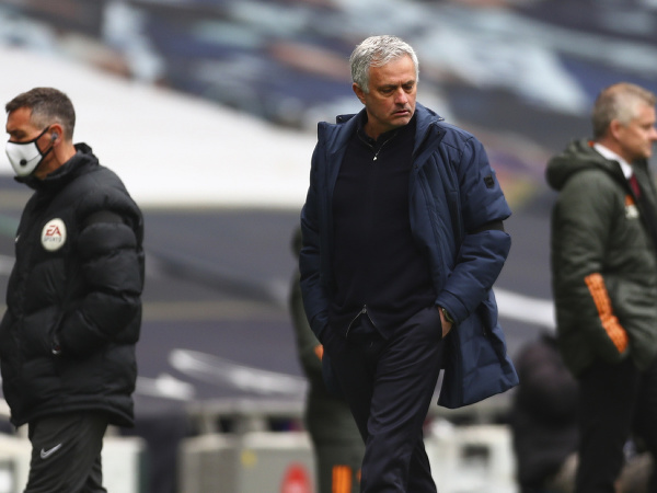 José Mourinho na lavičke Tottenhamu