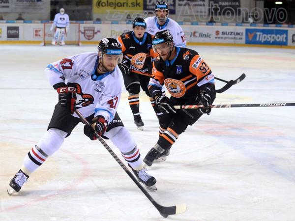 Mário Lunter z HC '05 iClinic Banská Bystrica v súboji s Michalovcami