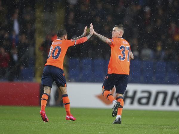 Martin Škrtel oslavuje gól