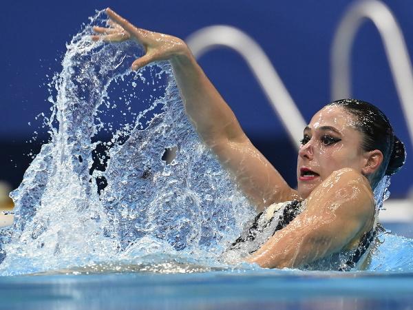 Slovenská akvabela Nada Daabousová počas vystúpenia v technických zostavách sólistiek na ME v plaveckých športoch v Budapešti