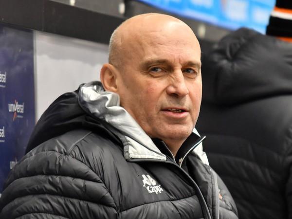 Tréner Miroslav Chudý na lavičke Michaloviec