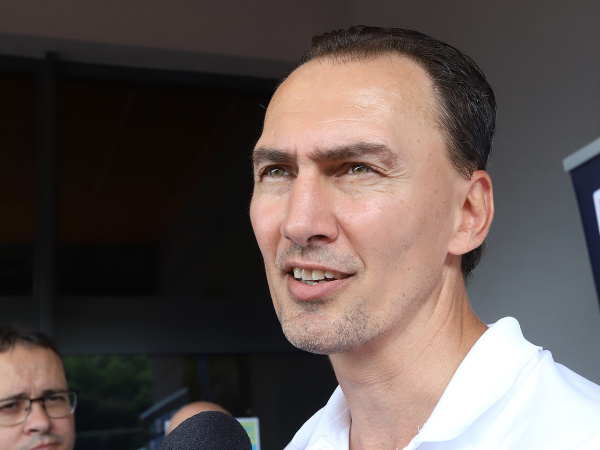 Generálny manažér reprezentácie a prezident Slovenského zväzu ľadového hokeja (SZĽH) Miroslav Šatan