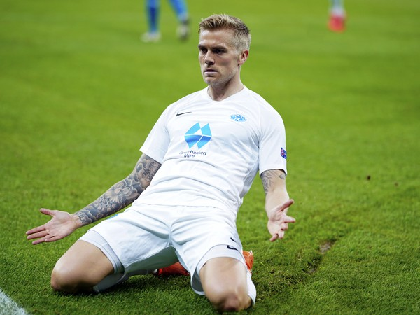 Stredopoliar Molde Eirik Andersen oslavuje svoj gól