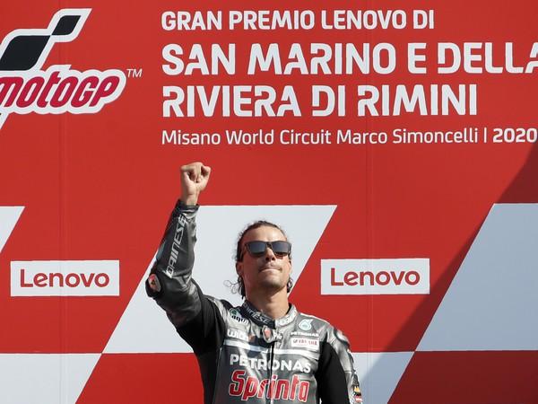 Talian Franco Morbidelli oslavuje triumf na Veľkej cene San Marína