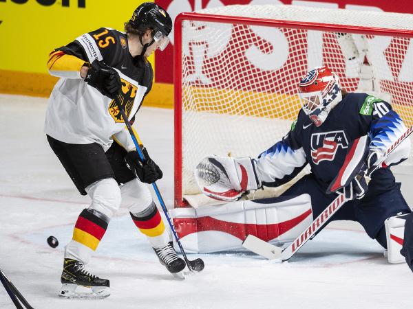 Americká osemnástka zdolala Nemecko o 10 gólov