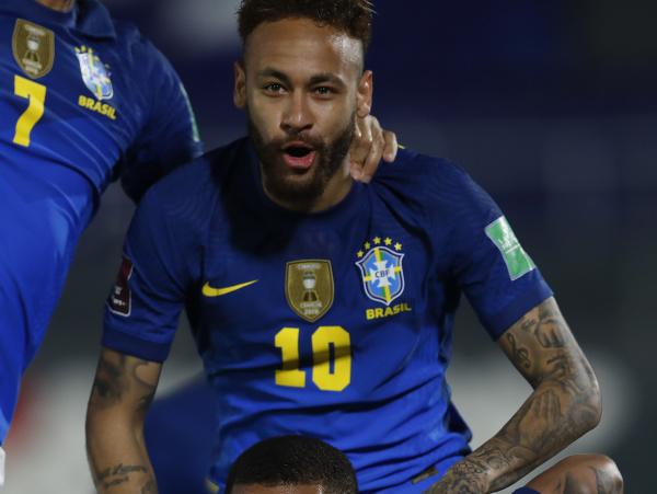 Neymar sa raduje z gólu v drese Brazílie