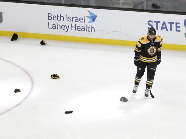 David Pastrňák zaznamenal hetrik proti Winnipegu
