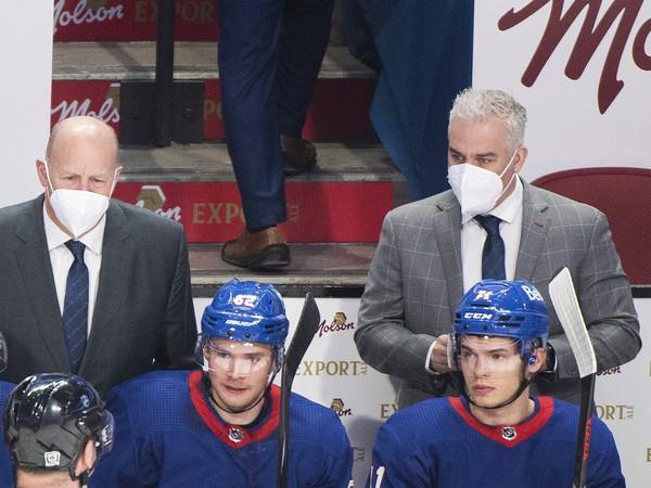 Claude Julien (vľavo) a asistent trénera  Montreal Dominique Ducharme
