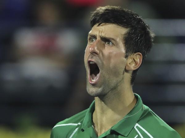 Novak Djokovič počas podniku ATP 500 v Dubaji
