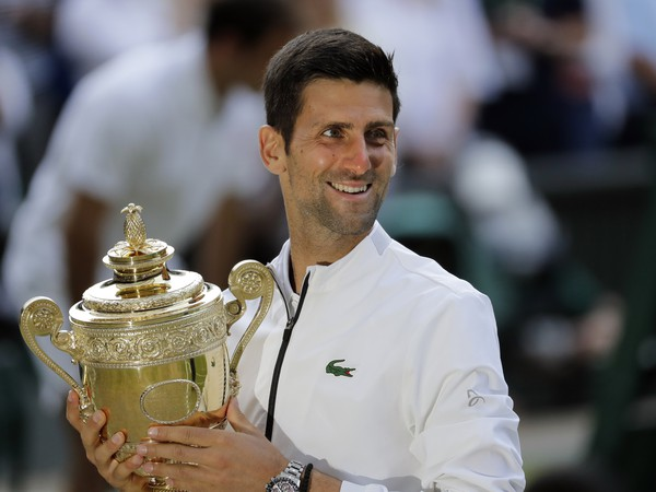 Srbský tenista Novak Djokovič sa stal piatykrát v kariére víťazom wimbledonskej dvojhry a získal 16. grandslamový titul