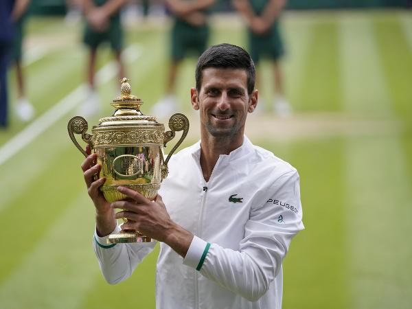Novak Djokovič po víťazstve na Wimbledone
