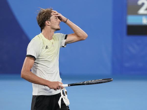 Nemecký tenista Alexander Zverev získal na OH 2020 v Tokiu zlatú medailu v mužskej dvojhre