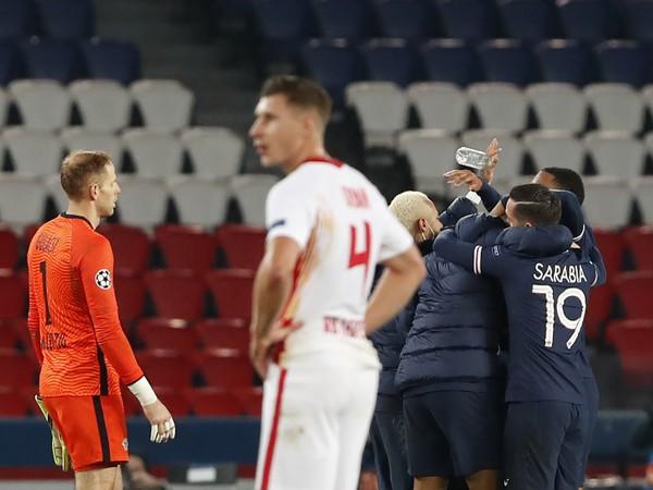 Hráči PSG sa radujú z gólu