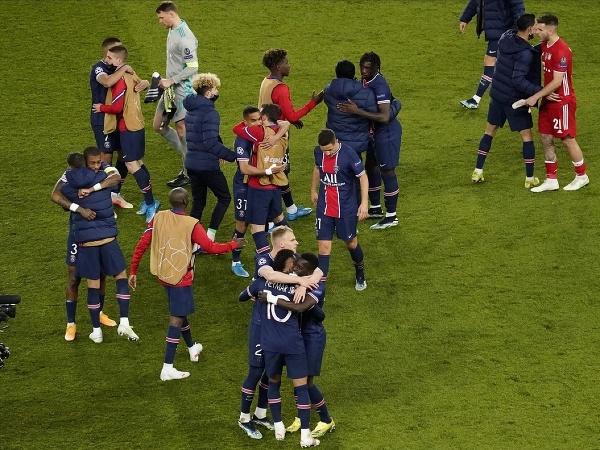 Radosť hráčov PSG z postupu do semifinále